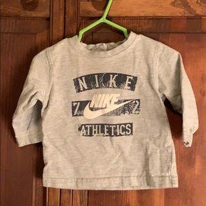 Nike boys 0/6 months long sleeve T-shirt